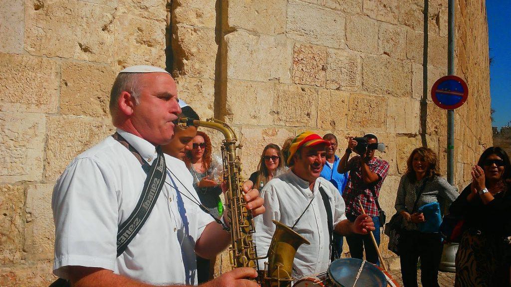 איסור תהלוכות מתופפים דרך שער ציון